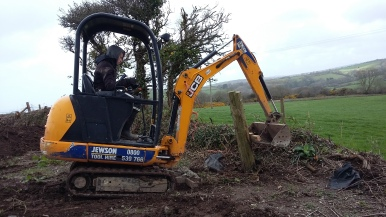 Minidigger - a valuable member of the Landworks team