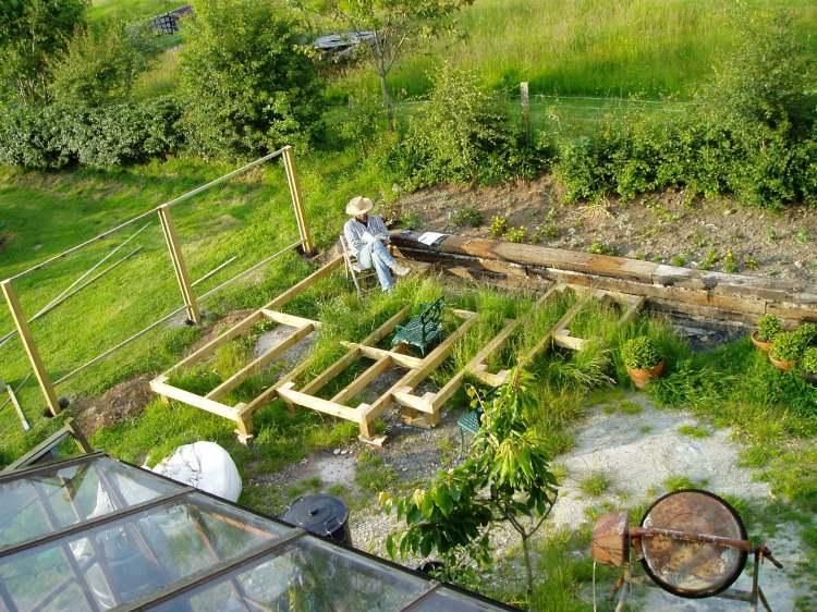 Building a minimal maintenance garden 1