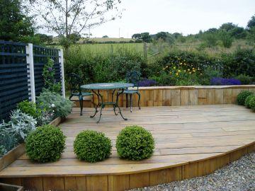Low maintenance deck garden